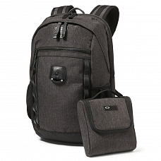 Рюкзак OAKLEY VOYAGE 22L BACKPACK A/S от Oakley в интернет магазине www.b-shop.ru